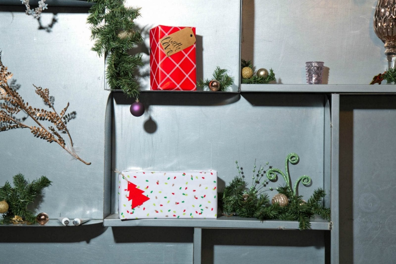 Gifts on Shelves for Holiday Gift Guide 2017
